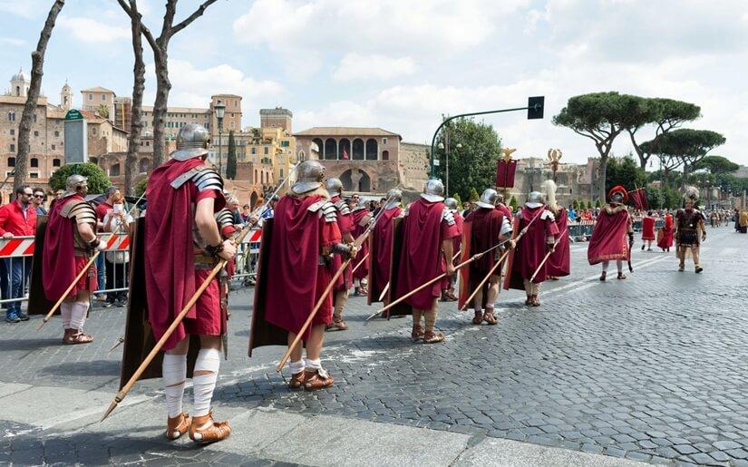 תהלוכת לוחמי רומא העתיקה